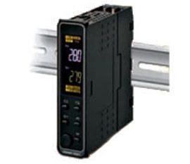 E5DC – Controlador de Temperatura y procesos delgado para riel DIN Omron